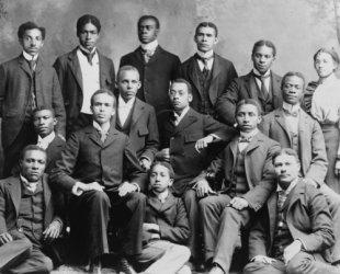 1899 photo Roger Williams University--Nashville, Tenn.--Academic class. Group c5
