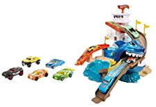 Hot Wheels Color Shifters Sharkport Showdown Trackset (Amazon Exclusive)