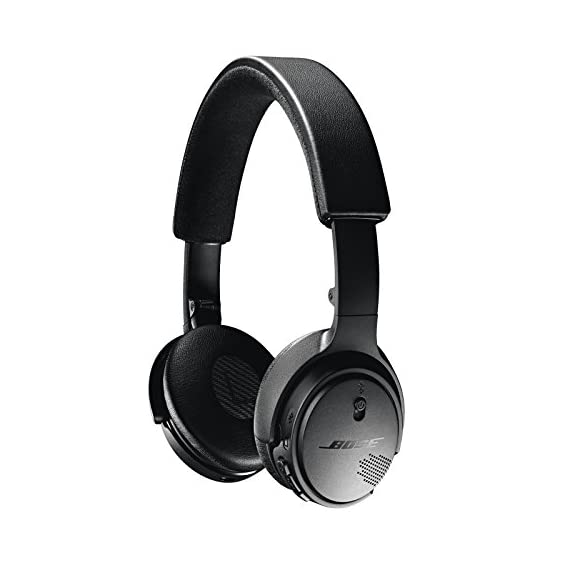 "Bose SoundLink On-Ear Bluetooth Headphones with Microphone, Triple Black 3 Bose SoundLink On-Ear Bluetooth Headphones with Microphone - 47.2"" Audio Cable - 1.3"" USB Cable - Carrying Case - Bose 1 Year Limited Warranty Wireless Range: 30' (9.1m) Battery life: Up to 15 hours"