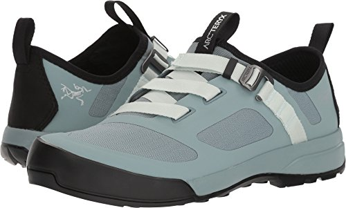 Arc'teryx Women's Arakys Approach Shoe Freezing Fog/Dewdrop 7.5 B US