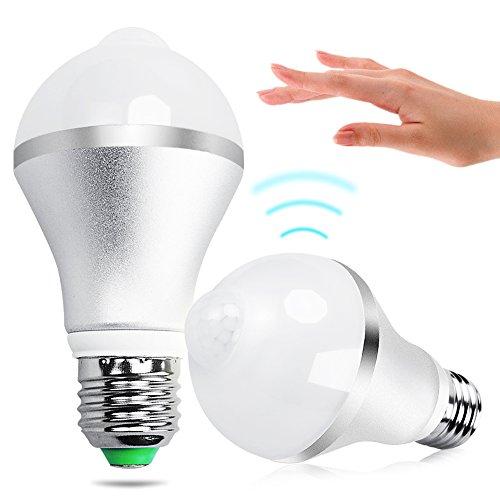 Sensor Birne, iRainy LED Lampe ersetzt60W 630lm mit PIR Bewegungsmelder für Treppen Haustür Garten Garage [Energieklasse A+]