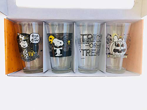 Charlie Brown Holiday Glassware Set | Fall Pint Glasses | 16 oz set of 4 | Peanuts Worldwide | Individually Labeled Glasses Perfect for a Party (Halloween) -
