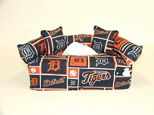 Detroit Tigers MLB Licensed fabric tissue box cover. Includes Tissue