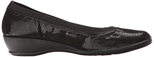 Puppies Women's Rogan Lizard Style Soft Flat by Hush Black PAppxR