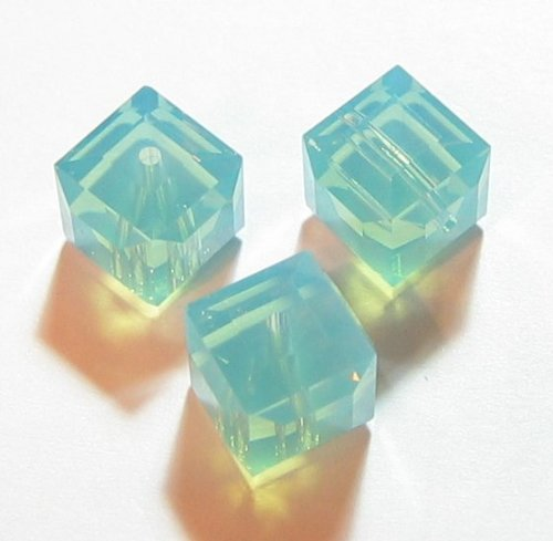 - 4 pcs Swarovski Crystal 5601 Cube Bead Spacer Pacific Opal 6mm / Findings / Crystallized Element