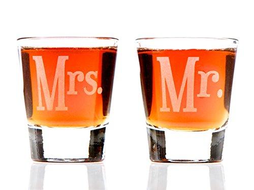 Mr & Mrs Shot Glass Set]()