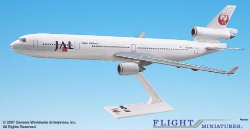 Flight Miniatures JAL Japan Airlines McDonnell Douglas MD-11 1:200 Scale Display Model ()