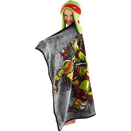 Hoodiwinks Teenage Mutant Ninja Turtles Rule Throw Blanket and Cozy Hat Set