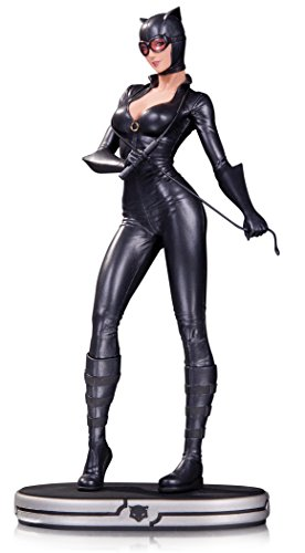 DC Collectibles Comics Cover Girls: Catwoman Statue ()