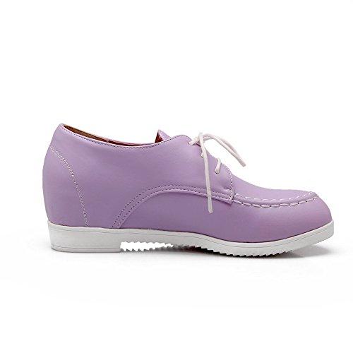AllhqFashion Damen Mittler Absatz Weiches Material Eingelegt Schnüren Rund Zehe Pumps Schuhe Lila