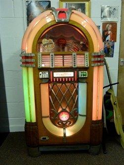 Original 1946 Wurlitzer 1015 Bubbler Jukebox: Amazon co uk