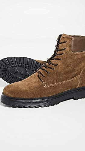 Lace up for the day with these comfortable suede boots.