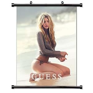 Amazon.com: Gigi Hadid Model Wall Scroll Poster (16x21) Inches