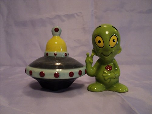 Alien Saucer Attractives Salt Pepper Shaker Made of Ceramic by Pacific Trading