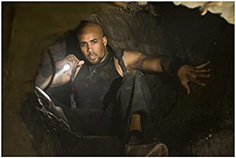 Resident Evil Afterlife 2010 8 Inch X10 Inch Photo Boris Kodjoe W Flashlight In Tunnel Kn At Amazon S Entertainment Collectibles Store