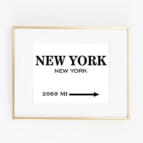 Print New York similar Prada Marfa distance like Gossip Girl Fashion Color Black and White poster - Prada York New