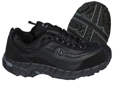 (Dunham by New Balance Men's 8700 ESD Steel Toe Athletic Shoes [Apparel])