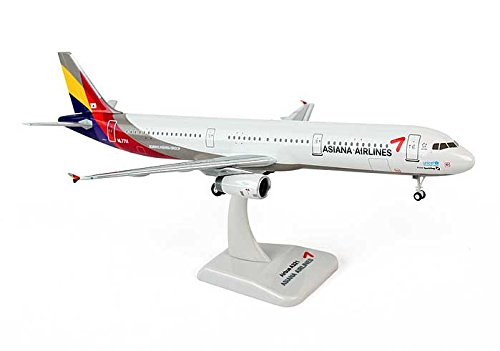 asiana-a321-1200-with-gear-hl7711-hg0588g