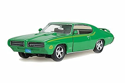 amazon com 1969 pontiac gto judge green motormax 73242 1 24