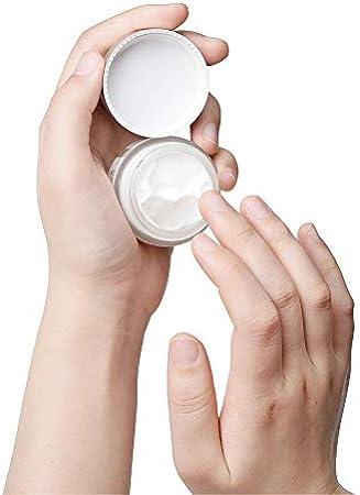 Crema de Ojos con Retinol, Crema Hidratante con 5% de Retinol, ácido Hialurónico, Aceite de Semilla de Cáñamo - Reduce las Ojeras, las Bolsas y las Líneas de Expresión, 20 g / 0.7 fl. Oz
