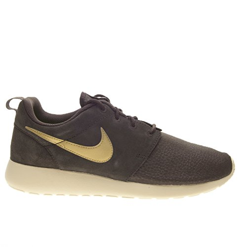 Nike Rosherun Suede Mens Running Trainers 685280 Sneakers Shoes (UK 8 US 9 EU 42.5, Velvet Brown Metallic Gold Sand Volt 273)