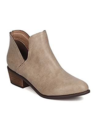 Breckelles Women Dallas-31 PU Pointy Toe Split Side Stacked Heel Beige Bootie (6)