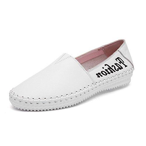 AllhqFashion Damen Niedriger Absatz Gemischte Farbe Ziehen auf Rund Zehe Pumps Schuhe Weiß