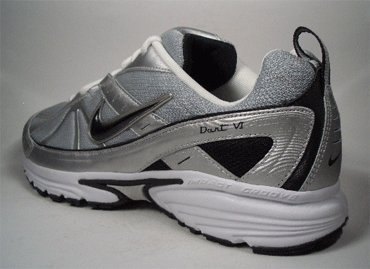 Nike Dart VI. Vielseitiger Lauf- und Freizeitschuh mit hervorragender Paßform. EUR 42,5 US 9 UK 8 27 cm