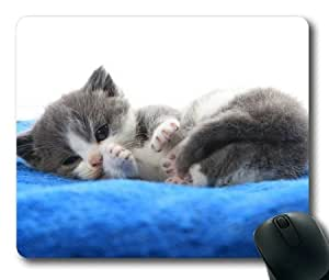 Lilyshouse Lovely White Grey Cat Rectangle Mouse Pad