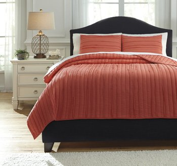 Ashley Furniture Signature Design - Solsta Coverlet Set - Includes Coverlet & 2 Shams - King Size - Coral