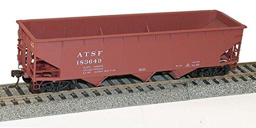 Ho AAR 70-Ton Offset-Side 3-Bay Hopper Kit, Santa Fe ()