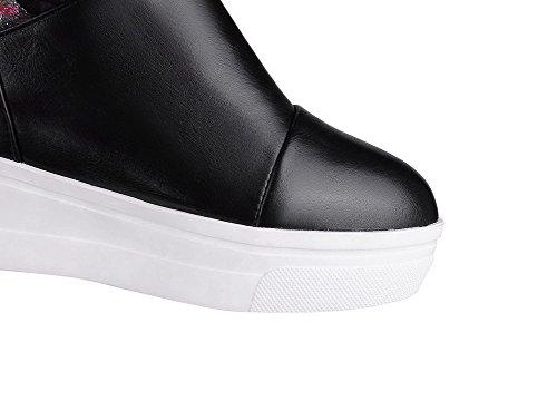 AllhqFashion Damen Gemischte Farbe PU Leder Hoher Absatz Ziehen auf Rund Zehe Stiefel Schwarz