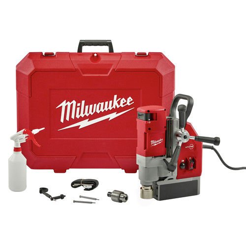 MILWAUKEE 4272-21 1-5/8'' Electromagnetic Drill Kit