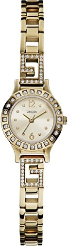 Guess Women's Analogue Quartz Watch with Stainless Steel Bracelet - W0411L2