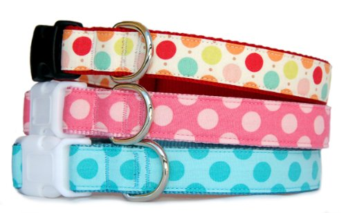 - Small dog collar : Polka dots cotton fabric on nylon webbing pet collar. Multi color dots, pink dots or turquoise dots for puppy, small dog to large dog. Matching dog leash and dog harness are available. Handcrafted and made in the USA. S