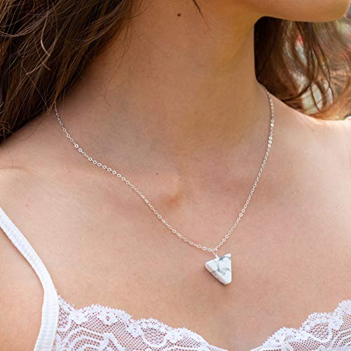 Howlite stone triangle necklace in 925 sterling silver - 18