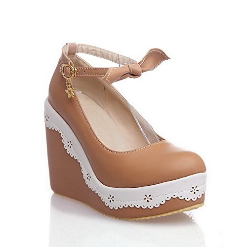 VogueZone009 Women's High-Heels Soft Material Buckle Round Closed Toe Pumps-Shoes with Metal Brown mzYM8