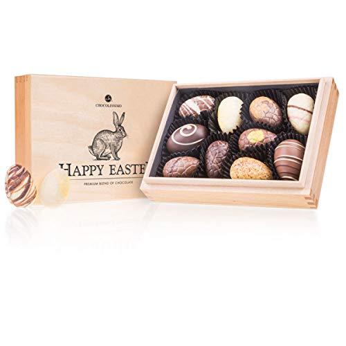 Easter Premiere Mini - 10 handgefertigte Pralinen in der Form von Ostereiern | Ostergeschenke für Erwachsene | Ostern Schokolade in edler Holz-Box | Ostergeschenk | Frauen | Männer | Frau | Mann
