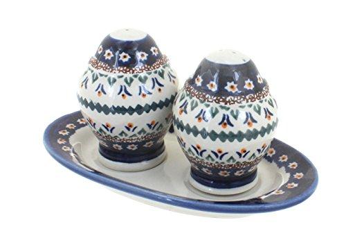(OKSLO Polish pottery daisy salt & pepper shakers with plate)