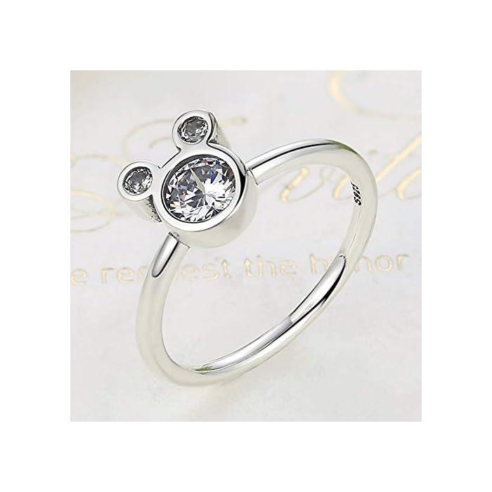 41lphiBL%2BTL DISEÑO – Olvide preocuparse por el tallaje, el anillo 24Joyas es un anillo abierto ajustable, adaptable a cualquier dedo. Está realizado en plata de ley 925 con una piedra principal brillante de 5 milímetros y cientos de piedras pequeñas alrededor del anillo, un diseño clásico que se mantiene siempre elegante y sofisticado a pesar del paso del tiempo, como el amor. JOYA ELEGANTE – El anillo es una joya refinada, con una delicada y atractiva discreción que distingue a las niñas, chicas y mujeres con buen gusto y elegancia.Ideal para combinar con cualquier vestido y/o ropa casual aportando un toque de belleza y distinción en cualquier situación. MATERIAL DE ALTA CALIDAD – Anillo construído con fina plata de ley 925 y zirconia cúbica de pureza 5A, antialérgica, no contiene constituyentes nocivos, no contiene níquel, no contiene plomo y no contiene cadmio.