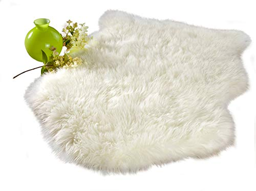 Chesserfeld Luxury Faux Fur Sheepskin Rug, Ivory, 2ft x 3ft with Thick Pile | Machine Washable, Makes a Soft, Stylish Home Décor Accent for a Kid's Room, Bedroom, Nursery, Living ()