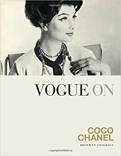858826cfd8c Vogue on  Coco Chanel (Vogue on Designers)  Amazon.co.uk  Bronwyn Cosgrave   8601200813548  Books