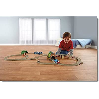 Thomas and Friends Motorized TrackMaster 5-in-1 Great Railway Train Set: Toys & Games