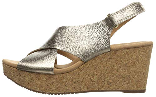 CLARKS Women's Annadel Eirwyn Wedge Sandal, Gold/Metallic, 9 M US