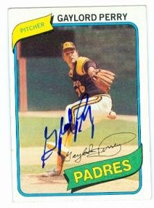 Gaylord Perry autographed Baseball Card (San Diego Padres) 1980 Topps #280 ()