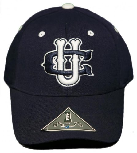 (NEW! University of Connecticut Huskies Stretch-Fit Hat 3D Embroidered Cap)
