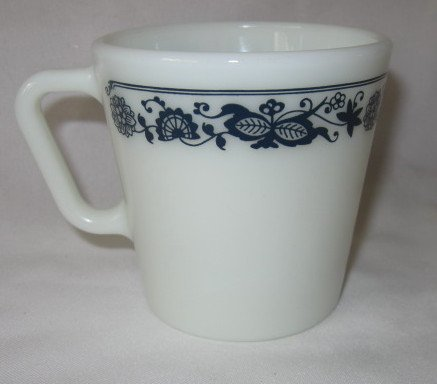 (PYREX Coffee Cup Old Town Blue)