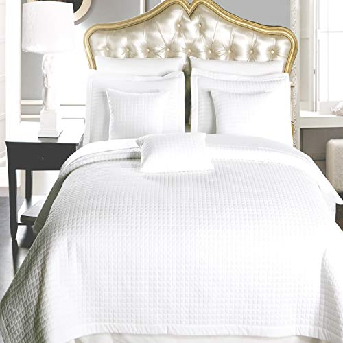 Full / Queen size White Coverlet 3pc set, Luxury Microfiber Checkered Quilt by Royal Hotel