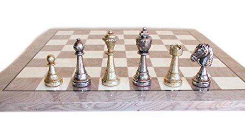 Italfama Staunton Metal sobre tablero de ajedrez de madera gris