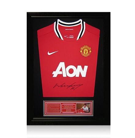 20c5cc59f2f Framed Wayne Rooney Signed Manchester United Shirt - Small  Amazon.co.uk   Kitchen   Home